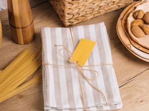Coastal Kitchen Towels & Dish Cloths